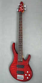 Peavey International Series Red Gitara Basowa