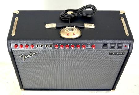 Fender The Twin Red Knob Wzmacniacz Gitarowy