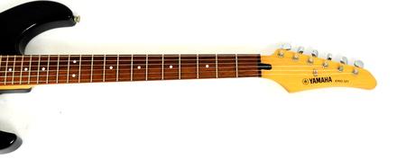 Yamaha ERG 121 Gitara Elektryczna (5)