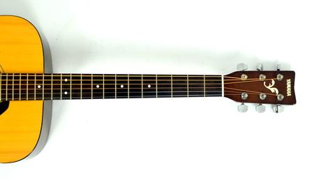 Yamaha F310 Gitara Akustyczna (3)